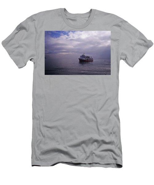 Tour Boat San Francisco Bay Men's T-Shirt (Athletic Fit)