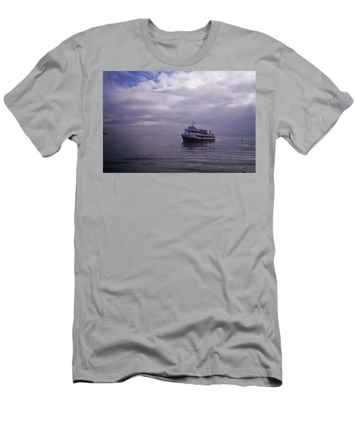 Tour Boat San Francisco Bay Men's T-Shirt (Athletic Fit)
