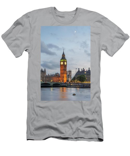 Tower Of London In The Moonlight Men's T-Shirt (Athletic Fit)