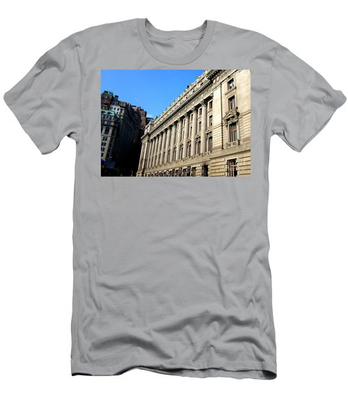 U S Custom House 1 Men's T-Shirt (Athletic Fit)
