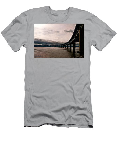 Under The Tappan Zee Men's T-Shirt (Athletic Fit)
