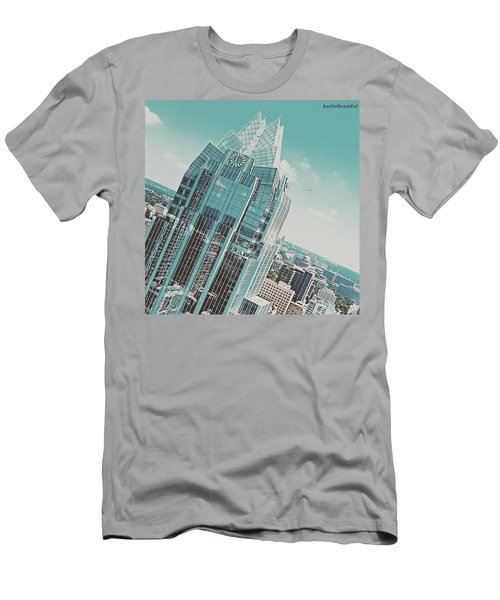 #upclose And Personal With The Frost Men's T-Shirt (Athletic Fit)