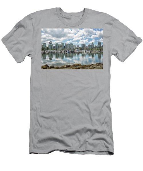 Vancouver Skyline Men's T-Shirt (Athletic Fit)