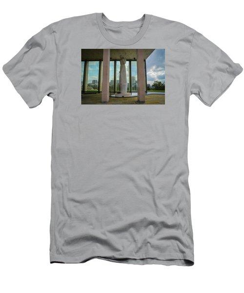 Virginia War Memorial Men's T-Shirt (Athletic Fit)