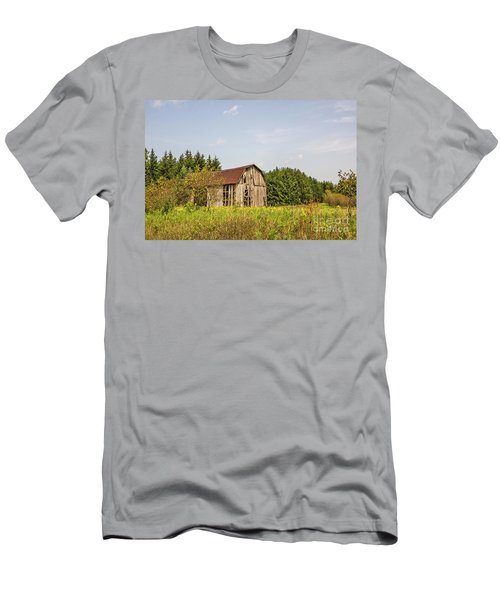 Weathered Barn Basking In The Summer Sun Men's T-Shirt (Athletic Fit)