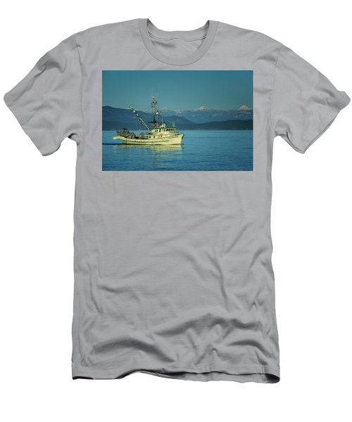 Men's T-Shirt (Slim Fit) featuring the photograph Western King At French Creek by Randy Hall