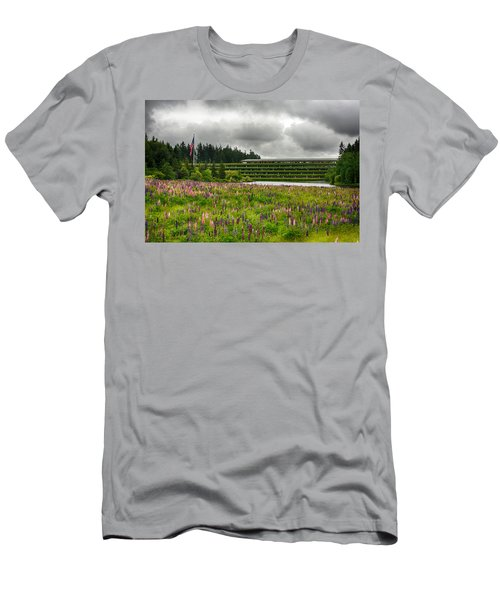 Men's T-Shirt (Slim Fit) featuring the photograph Weyerhaeuser Headquarters by Dan McManus