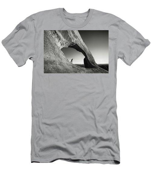 Wilson Arch Men's T-Shirt (Athletic Fit)