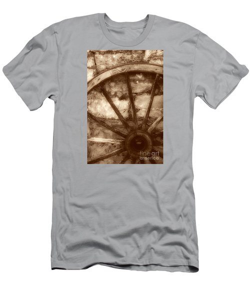 Wooden Wagon Wheel Men's T-Shirt (Athletic Fit)