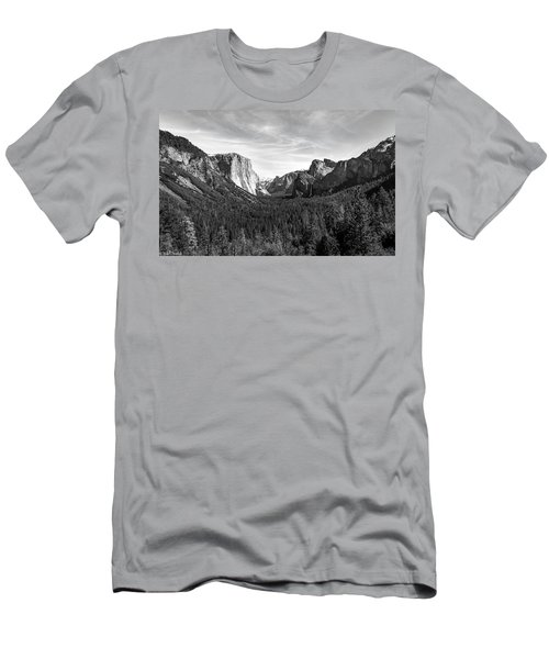 Yosemite B/w Men's T-Shirt (Athletic Fit)