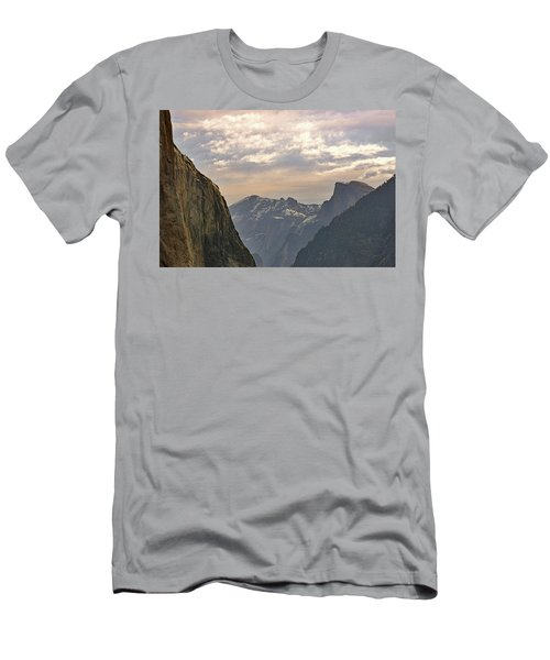 Yosemite Valley - Tunnel View Men's T-Shirt (Athletic Fit)