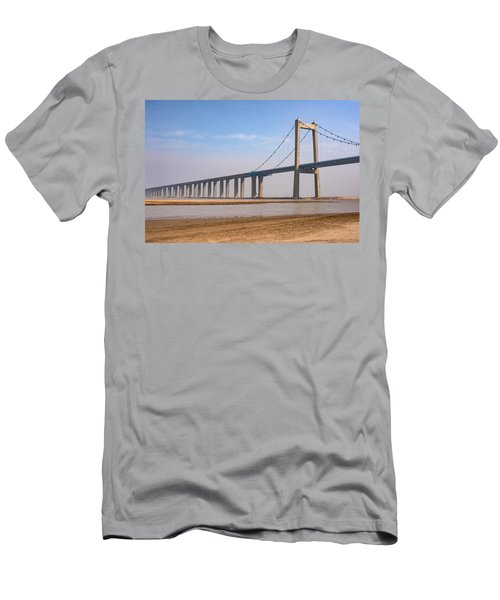 Zhengzhou Taohuayu Huanghe Bridge  Men's T-Shirt (Athletic Fit)