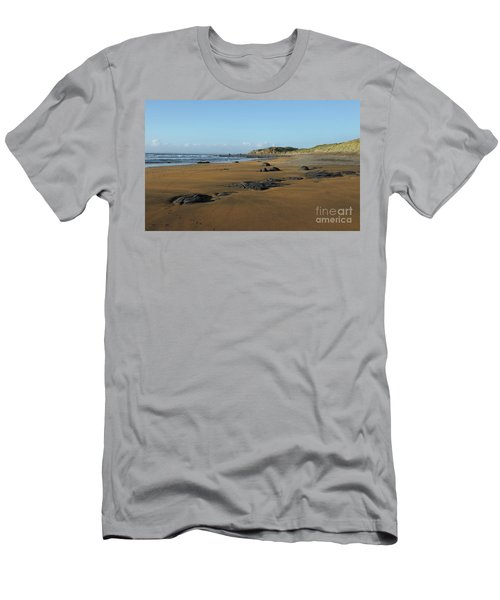 Fanore Beach Men's T-Shirt (Athletic Fit)