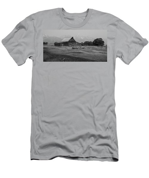 Mormon Barn Men's T-Shirt (Athletic Fit)