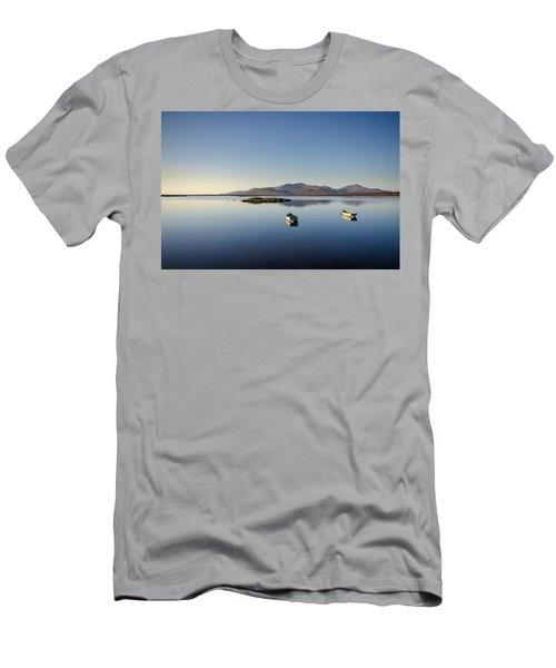 Bagh Nam Faoileann Men's T-Shirt (Athletic Fit)