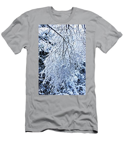 30/01/19  Rivington. Snow Covered Branches. Men's T-Shirt (Athletic Fit)