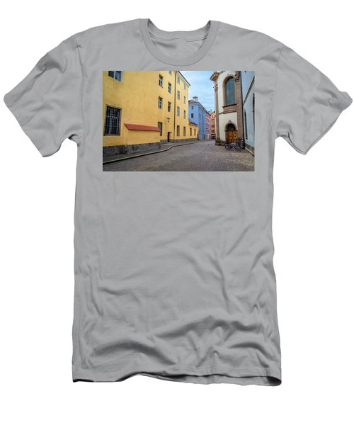An Innsbruck Street Men's T-Shirt (Athletic Fit)