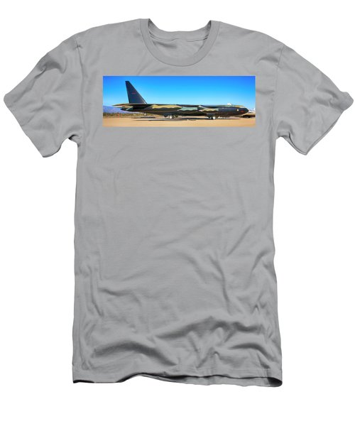 Boeing B52d Sac Bomber Men's T-Shirt (Athletic Fit)