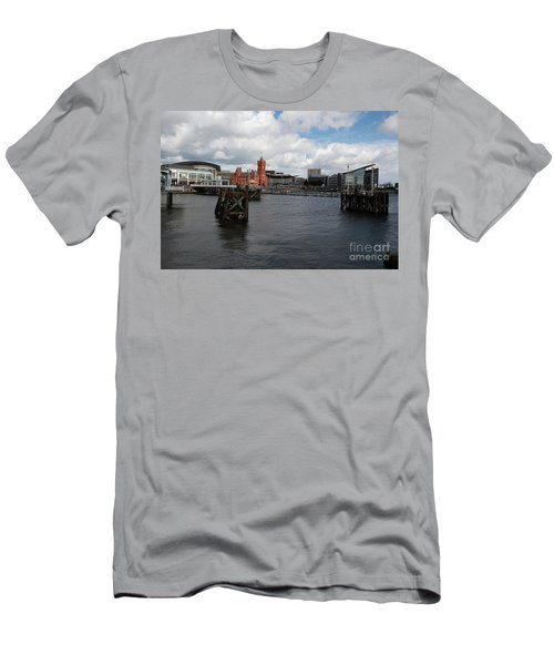 Cardiff Bay  Men's T-Shirt (Athletic Fit)
