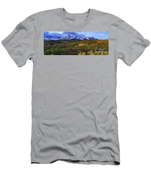 Dawn At The Dallas Divide Panoramic Men's T-Shirt (Athletic Fit)