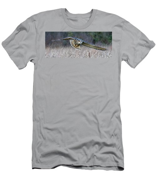 Eagle Owl Gliding Men's T-Shirt (Athletic Fit)