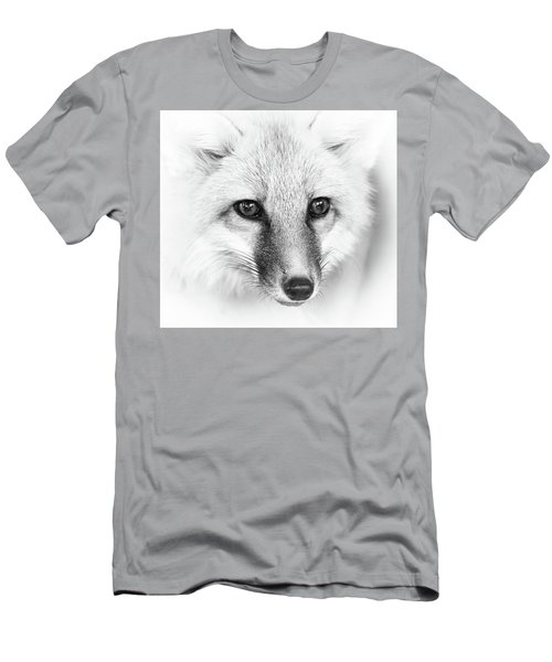 Fox Close Up Bw Men's T-Shirt (Athletic Fit)