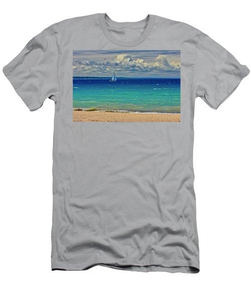 Lake Huron Sailboat Men's T-Shirt (Athletic Fit)