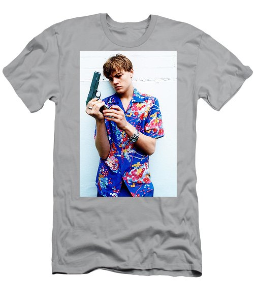 246a46d8 Leonardo Dicaprio 1990s Romeo And Juliet Movie With Gun Men's T-Shirt  (Athletic Fit