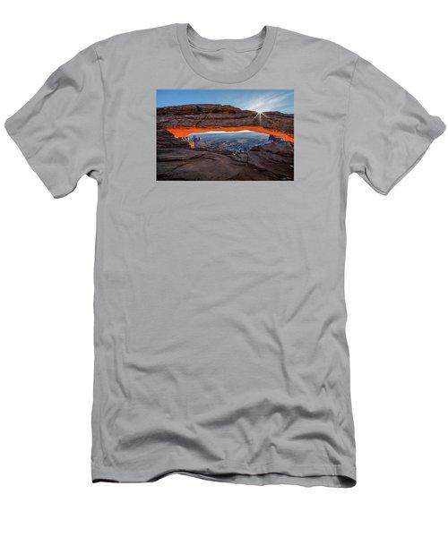 Mesa Arch Sunrise 2017 Men's T-Shirt (Athletic Fit)