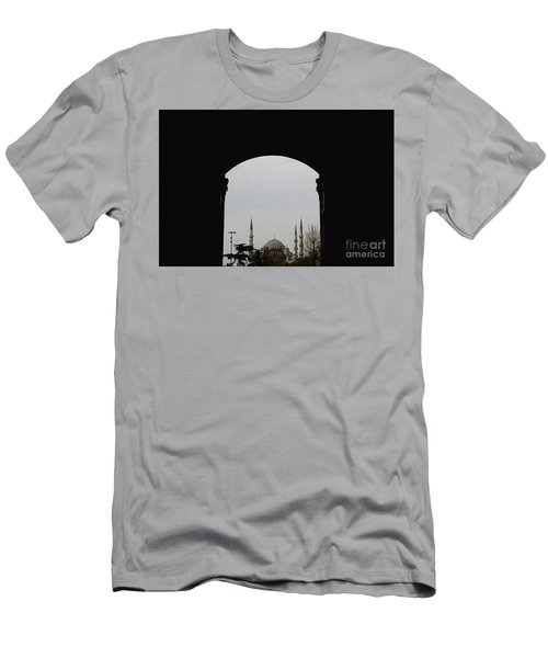 minarets in the city for the prayer of the Muslim religion Men's T-Shirt (Athletic Fit)