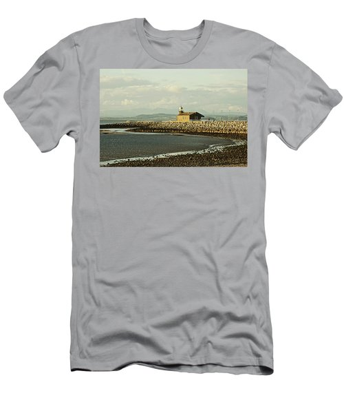 Morecambe. The Stone Jetty. Men's T-Shirt (Athletic Fit)