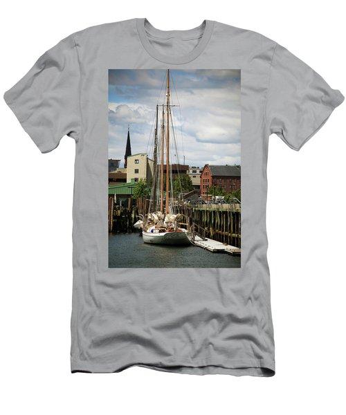 Portland Dock Men's T-Shirt (Athletic Fit)
