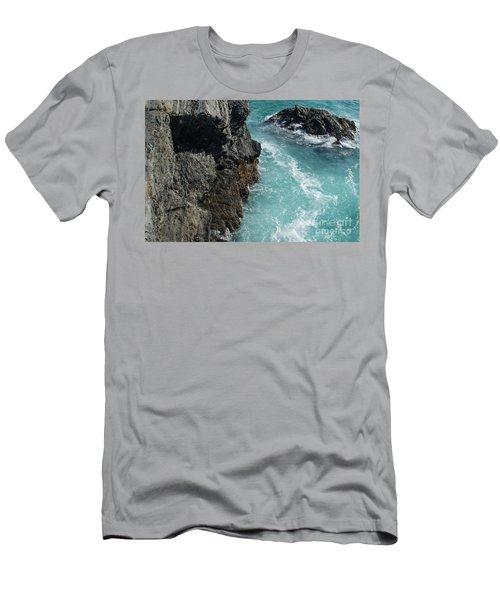 Porto Covo Cliff Views Men's T-Shirt (Athletic Fit)