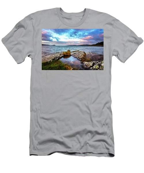 Rocky Pools Of Salty Sea Men's T-Shirt (Athletic Fit)