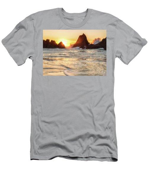 Seal Rock  Men's T-Shirt (Athletic Fit)