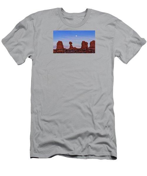 Super Moonrise At Balanced Rock Men's T-Shirt (Athletic Fit)