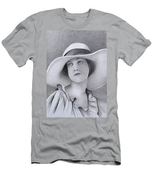 Vintage Woman In Brim Hat Men's T-Shirt (Athletic Fit)