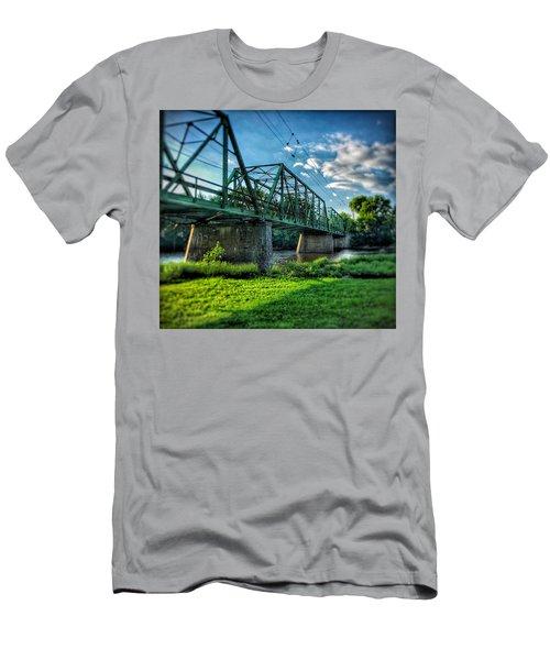 Waverly Bridge Men's T-Shirt (Athletic Fit)