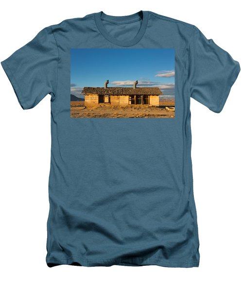 Derelict Shack. Men's T-Shirt (Athletic Fit)