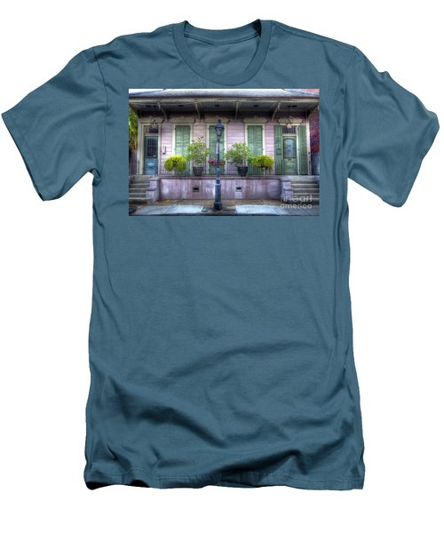 0267 French Quarter 5 - New Orleans Men's T-Shirt (Athletic Fit)