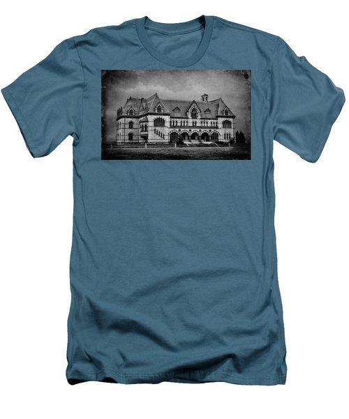 Old Post Office - Customs House B/w Men's T-Shirt (Slim Fit) by Sandy Keeton