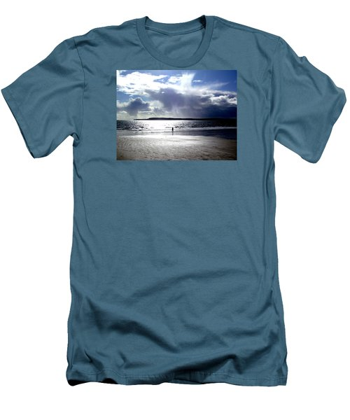 Lone Beach Walker Men's T-Shirt (Athletic Fit)
