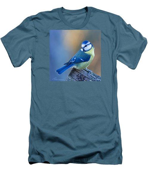 Blue Tit Looking Behind Men's T-Shirt (Athletic Fit)