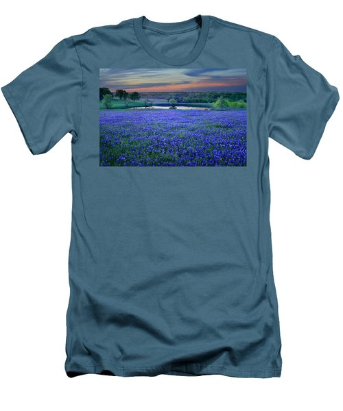 Bluebonnet Lake Vista Texas Sunset - Wildflowers Landscape Flowers Pond Men's T-Shirt (Athletic Fit)