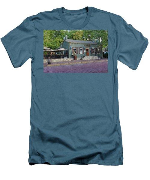 Braddens Main Street St Charles Mo Dsc00874  Men's T-Shirt (Athletic Fit)
