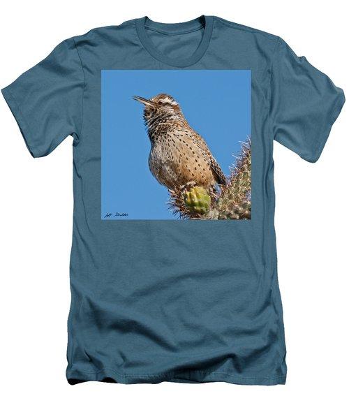 Cactus Wren Singing Men's T-Shirt (Athletic Fit)