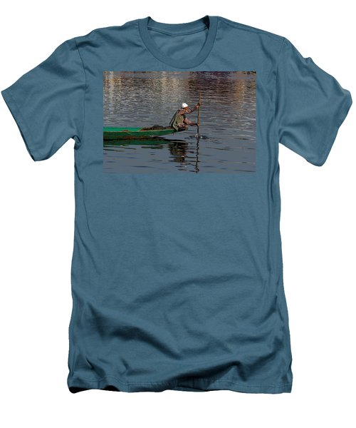 Cartoon - Man Plying A Wooden Boat On The Dal Lake Men's T-Shirt (Athletic Fit)