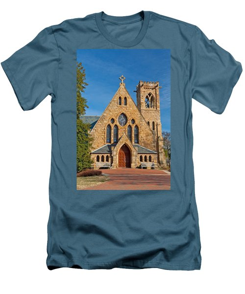 Chapel At Uva Men's T-Shirt (Athletic Fit)
