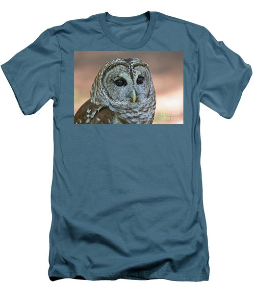 Closeup Of A Barred Owl  Men's T-Shirt (Athletic Fit)