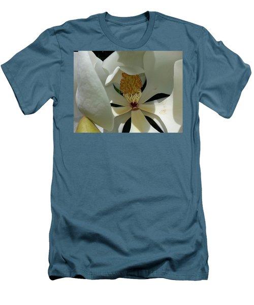 Coy Magnolia Men's T-Shirt (Slim Fit)